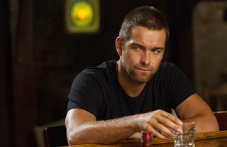 Banshee - Small Town. Big Secrets, 1. Staffel, Episode 1-2